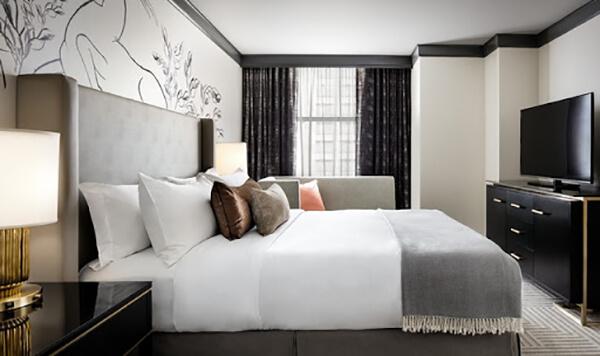 Ga phủ giường khiến giường ngủ trở nên đẹp đẽ hơn rất nhiều