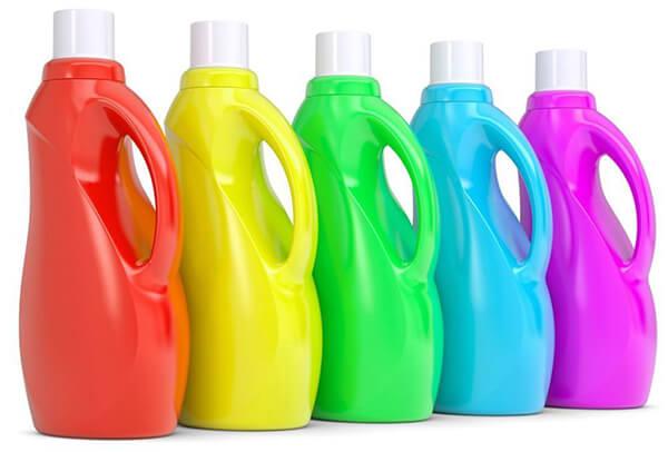 Để giặt ga số lượng lớn thì khách sạn cần những chất tẩy rửa chuyên dụng, an toàn