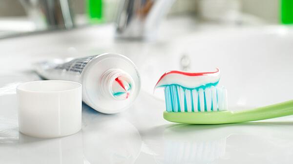 Kem đánh răng chất lượng theo tiêu chuẩn phải mịn, mềm có hương thơm nhẹ