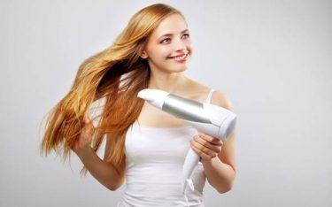 Bí quyết làm đẹp với máy sấy tóc giúp bạn tự tin khi đi du lịch