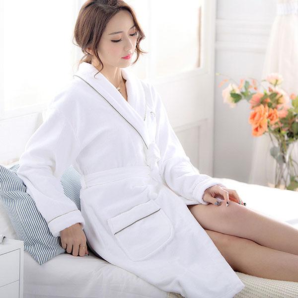 Áo choàng tắm được sử dụng tại khách sạn, không được mang về