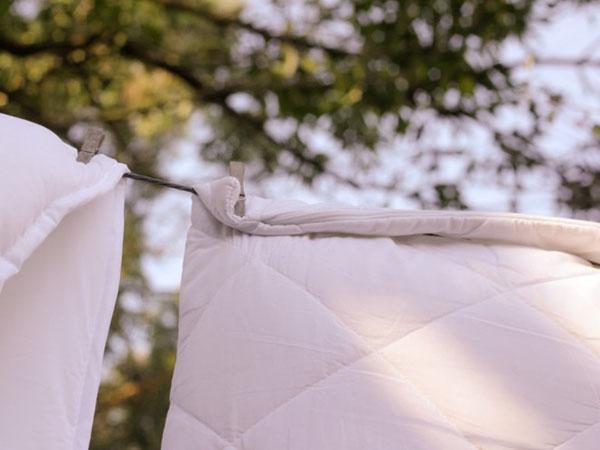 Sau khi giặt, nên phơi đồ ở nơi thoáng đãng, đón gió