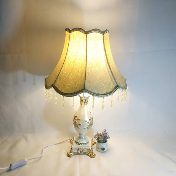 mẫu đèn ngủ tân cổ điển