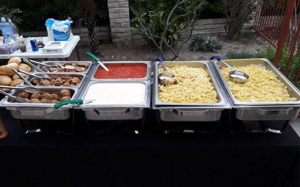 Hai loại nồi phổ biến nhất là nồi buffet đơn và nồi buffet đôi