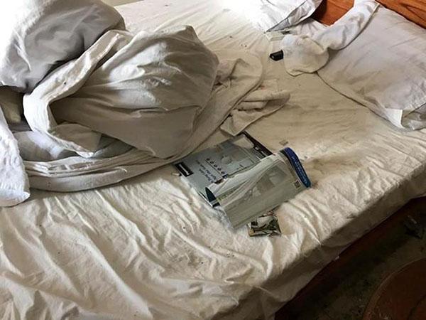 Khi ga giường không được giặt giũ thường xuyên sẽ gây mất thẩm mỹ