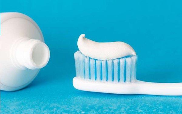 Nhờ tỉ lệ pha chế khác nhau mà kem đánh răng có màu sắc, hương thơm không giống nhau