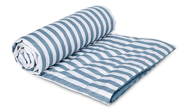 Vỏ chăn được thiết kế từ hai mảnh vải tách rời