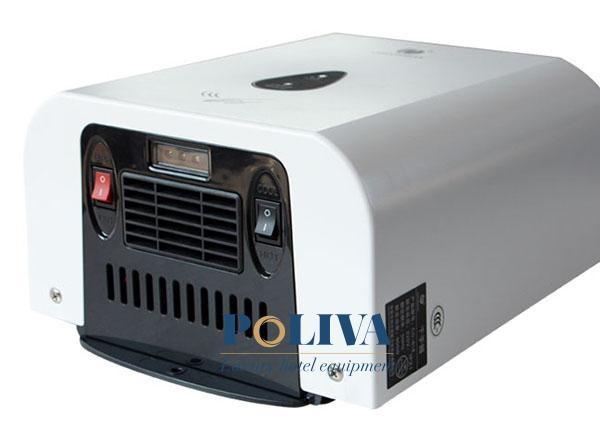 Nên lau chùi một số bộ phận của máy sấy tay như cửa hút gió, mắt cảm biến...