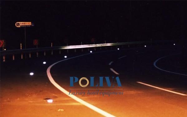 Đinh đường phản quang hỗ trợ chiếu sáng trong đêm