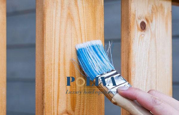 Những lớp sơn bóng sẽ làm cho giường thêm sáng bóng và bền hơn