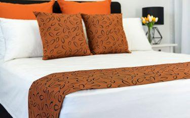Kinh nghiệm chọn mua tấm vải trải ngang giường cho khách sạn, resort