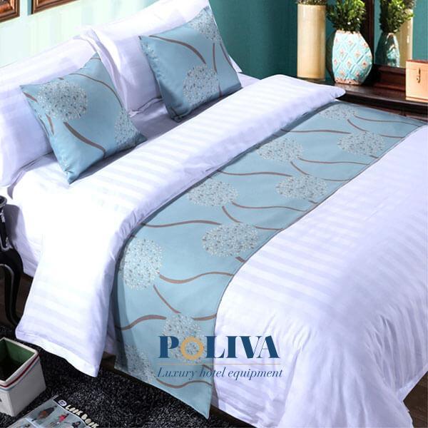 Hoa văn tinh tế sẽ làm cho chiếc giường ngủ có điểm nhấn hơn