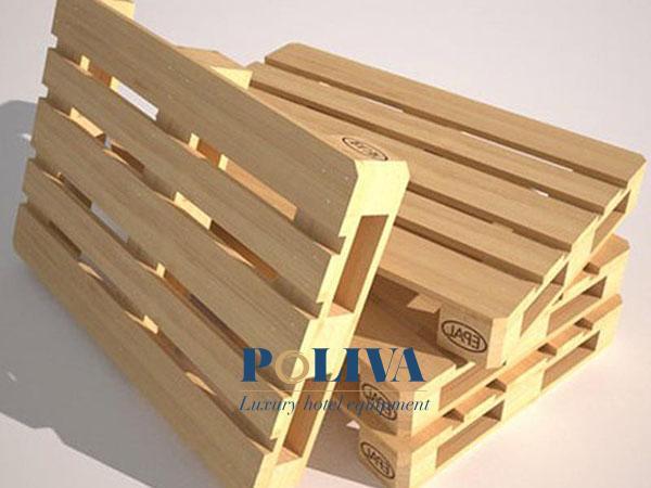 Giường pallet được đóng bởi những tấm gỗ pallet kê hàng