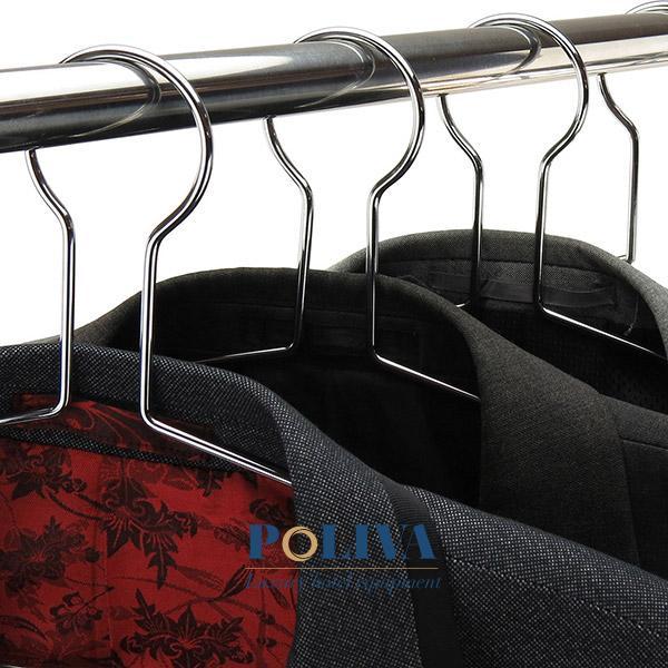 Nhiều khách sạn sử dụng móc treo quần áo chống trộm nhưng không được lòng khách thuê phòng