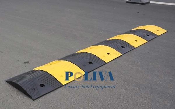 Poliva thi công lắp đặt gờ giảm tốc cao su tại nhà ga T2 Nội Bài