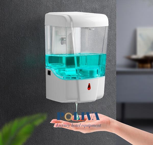 Bình đựng nước rửa tay cảm ứng thường có giá thành cao hơn loại nút nhấn