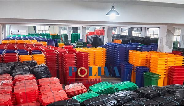 Kho hàng của Poliva luôn tràn ngập các loại thùng rác để khách hàng có thể tận mắt kiểm tra trước khi mua