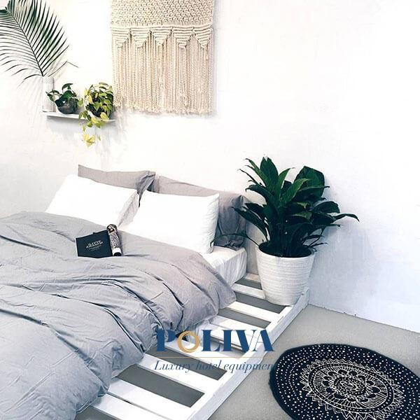 Không gian phòng ngủ trở nên hiện đại hơn với màu trắng