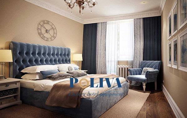 Một chiếc giường ngủ truyền thống với tấm đệm giày khiến không gian sang trọng hơn rất nhiều