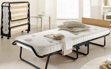 Roll away bed là gì? Kinh nghiệm thuê roll away bed trong khách sạn