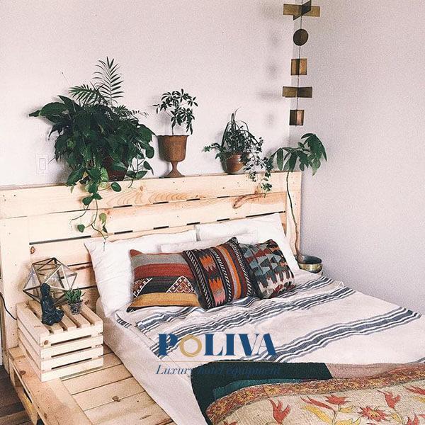 Giường pallet được sáng tạo từ những tấm pallet kê hàng có kiến trúc độc đáo