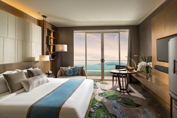 Cần thay mới tấm trang trí giường thường xuyên để không gian không nhàm chán