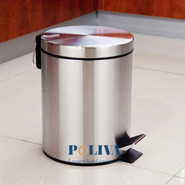 Mẫu thùng rác đạp chân Inox - thép không gỉ đặt trong phòng khách sạn