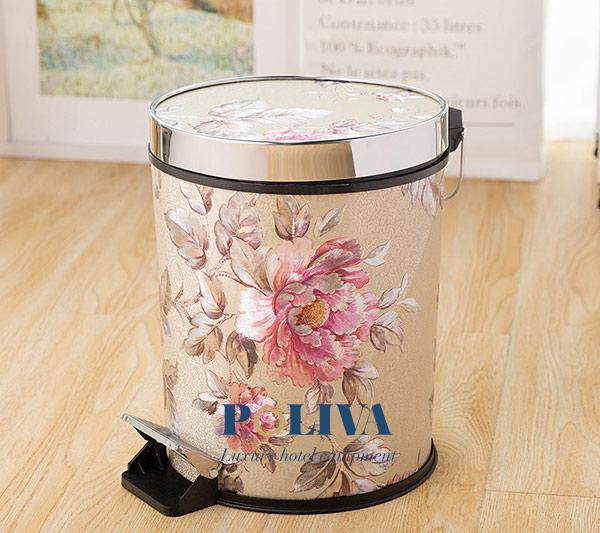 Thùng rác gia đình đạp chân bằng nhựa bọc da họa tiết hoa