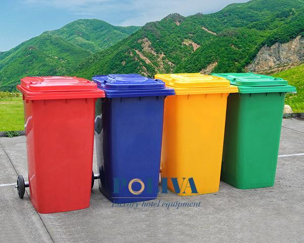 Những màu sắc của thùng rác phổ biến nhất trên thị trường hiện nay đó là xanh lá cây, vàng, cam,...