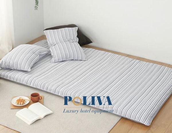 Nệm cuộn trải sàn sẽ giúp bạn tận dụng được hết chức năng của phòng