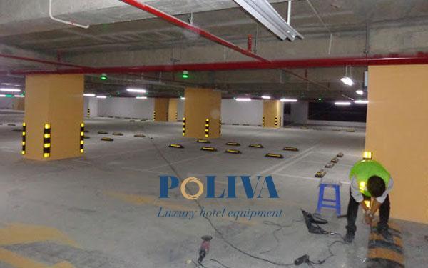 Gờ giảm tốc độ thường được lắp đặt trong tầng hầm để xe