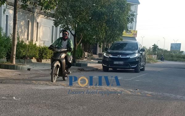 Gờ giảm tốc tự chế gây nguy hiểm khôn lường cho người tham gia giao thông