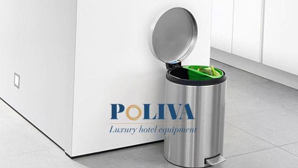 đặt thùng rác trong bếp