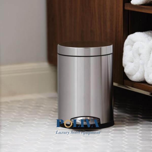 Thùng rác inox đạp chân giúp hạn chế việc tiếp xúc tay với sản phẩm