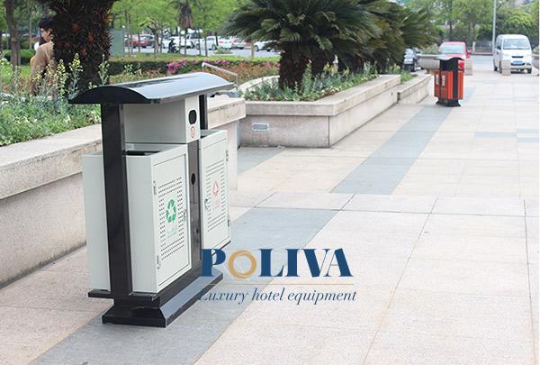 Hình ảnh thực tế của thùng rác ngoài trời 2 ngăn tại đường phố