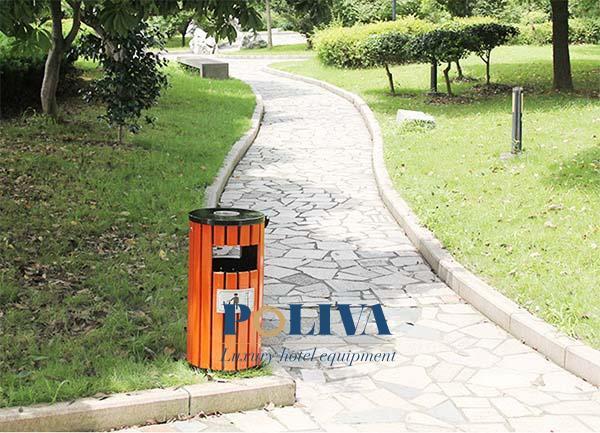 Cấu tạo thùng rác đơn giản, chắc chắn và thuận tiện sử dụng