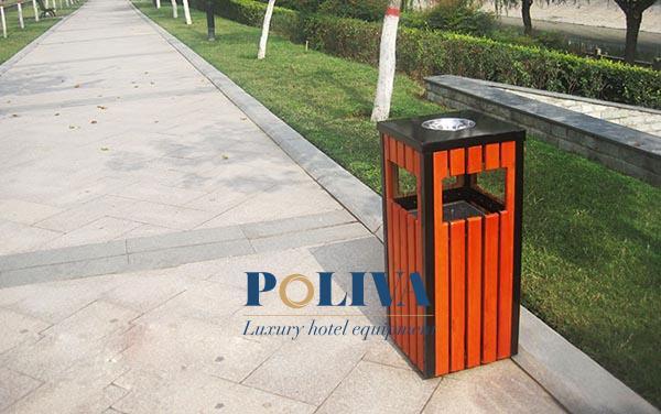 Thùng rác gỗ vuông ngoài trời được sử dụng phổ biến và ưa chuộng