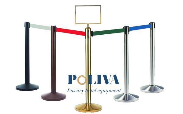 Phần dây căng nhiều màu dùng để kết nối các cột chắn