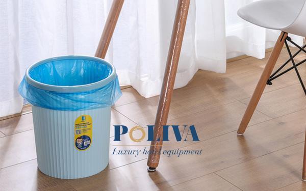 Việc lót thêm túi nilon giúp đảm bảo vệ sinh tốt hơn