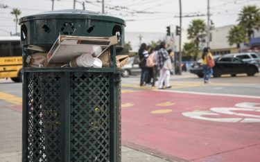 Bố trí khoảng cách đặt thùng rác công cộng ra sao cho phù hợp?