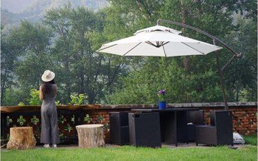 Sử dụng ô dù ngoài trời có làm tốn diện tích quán cafe, nhà hàng không?