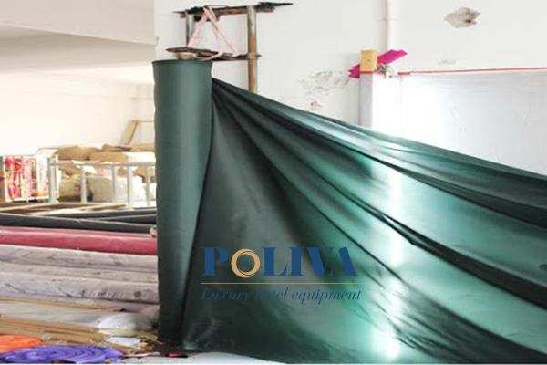 Vải may tán dù phải đảm bảo không thấm nước, chất lượng, chịu được nắng mưa