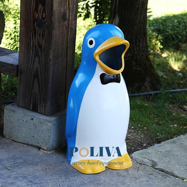 Thùng rác ngộ nghĩnh hình chim cánh cụt