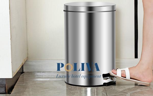 Nên dùng thùng rác văn phòng có nắp hay không nắp?