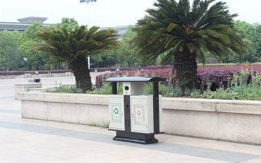 Những mẫu thùng rác môi trường đô thị tiện lợi nhất nên trang bị