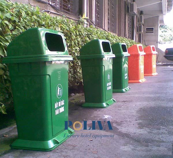 thùng rác nhựa cố định hay thùng rác có bánh xe