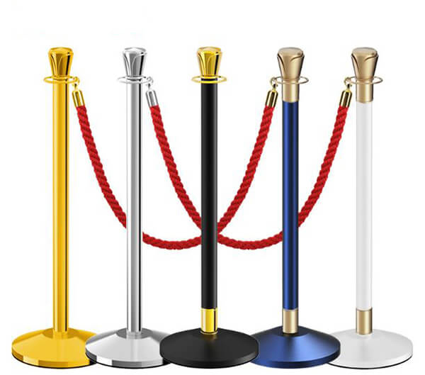 Cột chắn inox là thiết bị không thể thiếu trong các rạp chiếu phim
