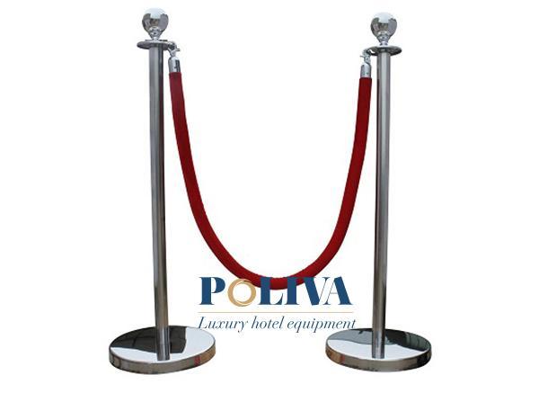 Tìm hiểu về cột chắn inox - thiết bị không thể thiếu tại các chương trình sự kiện