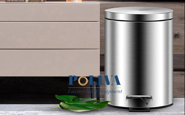 Các hộ gia đình nên dùng thùng rác inox hay thùng rác nhựa?