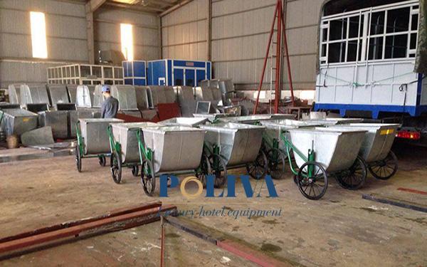 Quá trình sản xuất xe gom rác bằng tôn tại Poliva